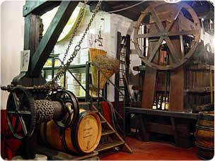 Musée du vin - Exposition permanente - LALY - AUTUN 71400